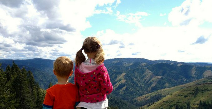 Thinking about taking the kids to the mountains? Do you know what to pack for a summer mountain vacation with kids? via www.sahmplus.com