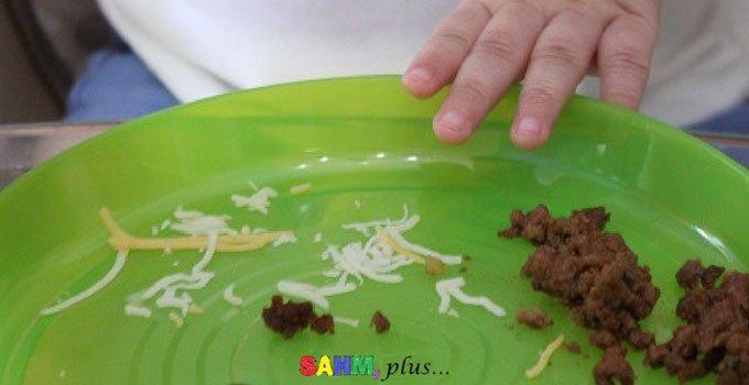 Picky toddler pushing plate of food away | www.sahmplus.com